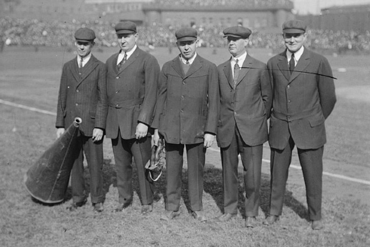 Los árbitros de Grandes Ligas, la historia de caballeros y villanos